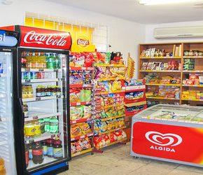 Małe sklepy korzystają na zakazie handlu