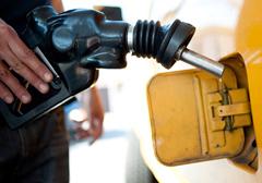 Brytyjscy Liberalni Demokraci chcą zakazania samochodów na benzynę i diesla