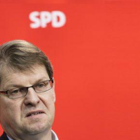 Wiceszef niemieckiej socjaldemokracji chce wysyłać krytyków imigracji do lekarzy