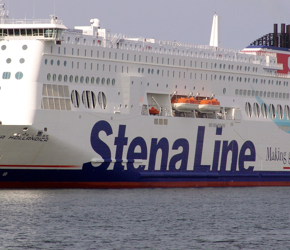 Szwecja pęka w szwach. Imigranci zamieszkają na statkach