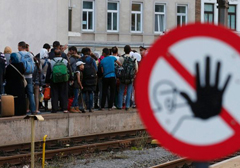 stop-refugees