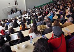 Francja: Rządowa agencja zaleca wprowadzenie zakazu noszenia symboli religijnych na uniwersytetach