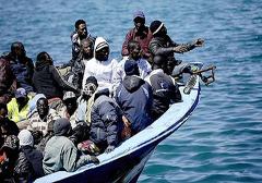 Tysiąc imigrantów szturmowało Włochy