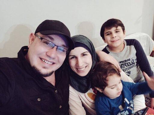 """Syryjski """"uchodźca"""" w Polsce bił żonę. Bronią go dziennikarze"""