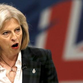 """Rząd brytyjskiej prawicy zapowiada walkę z """"antysemityzmem"""""""