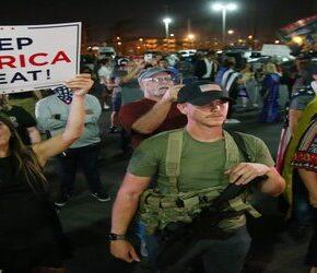 Zwolennicy Trumpa oprotestowują fałszerstwa wyborcze