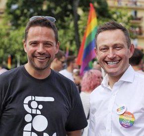 Polacy zaczynają akceptować związki jednopłciowe