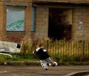 Brytyjski rząd tworzy ubóstwo wśród obywateli