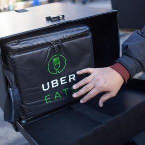 Uber Eats z darmową dostawą z restauracji czarnoskórych