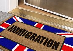 Brytyjski premier chce ograniczyć świadczenia dla imigrantów
