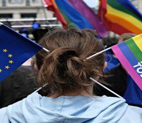 Bez dotacji za obronę przed LGBT
