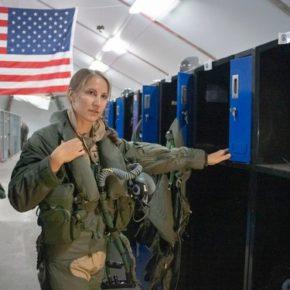 33 lata temu skrytykował kobiety w wojsku. Musiał odejść z pracy