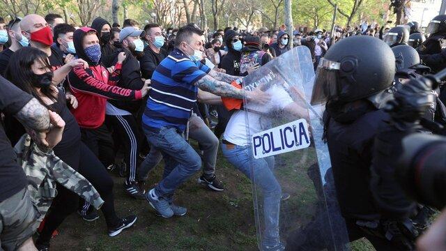 Hiszpańskie MSW dopuściło do zamieszek przeciwko prawicy?