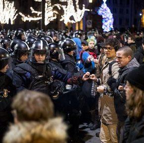 Węgrzy protestują przeciwko ustawie o niewolnictwie