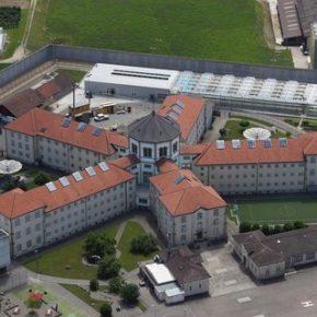 Imigranci zapełniają więzienia w Szwajcarii