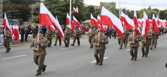 Dwaj polscy żołnierze ranieni przez imigrantów