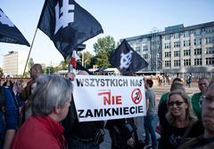 """Wrocław: Demonstracja """"Wszystkich nas nie zamkniecie"""""""